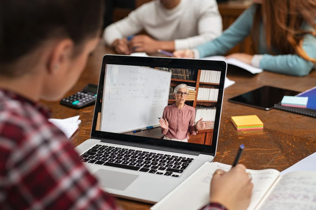 Holding your classes and events online via Webinars